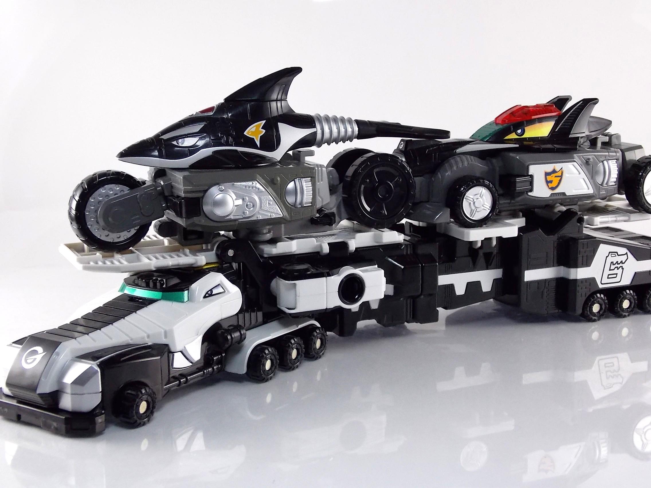 Engine Sentai Go Onger Toys