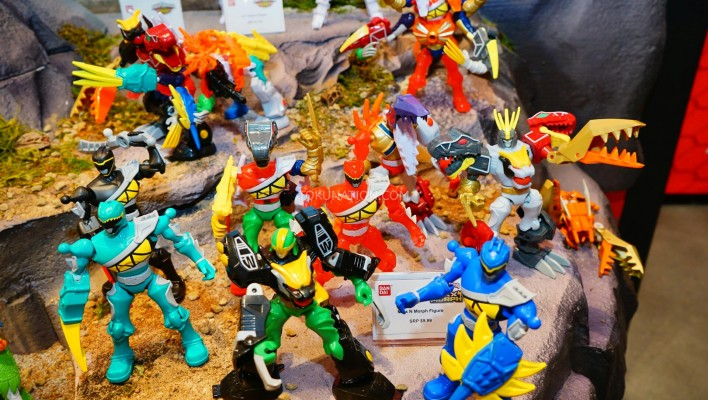 Toy Fair 2015 - Power Rangers Dino Chargers, Zords, and Mix n Morph Figures, Roleplay Items
