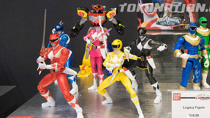 Toy Fair 2017 - Legacy Morphin Metallic Power Rangers Figures with Weapons