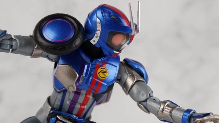 S.H. Figuarts Kamen Rider Mach Chaser Gallery