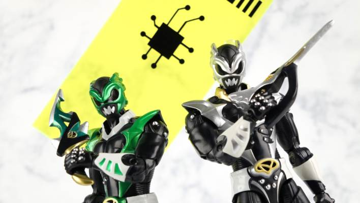 Entertainment Earth Exclusive Legacy Psycho Silver Ranger Gallery