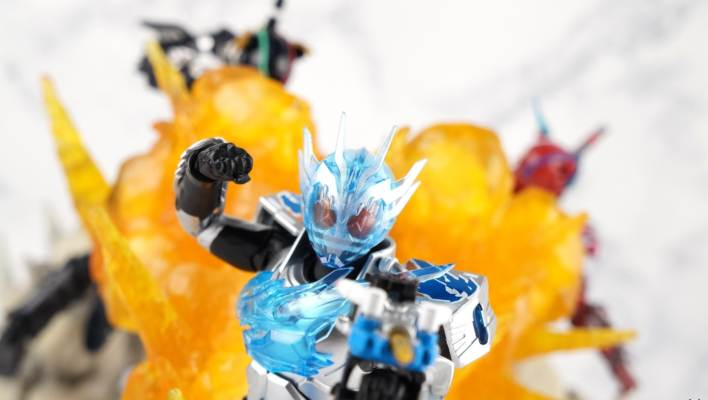 S.H. Figuarts Kamen Rider Cross-Z Charge Gallery