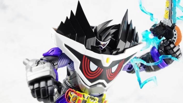S.H. Figuarts Kamen Rider GenM God Maximum Gamer Level Billion Gallery