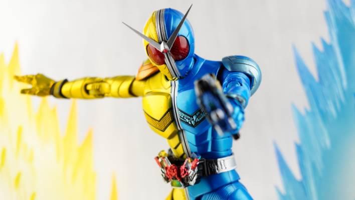 Toku Toy Box: S.H. Figuarts Shinkocchou Seihou Kamen Rider W Luna/Trigger Gallery