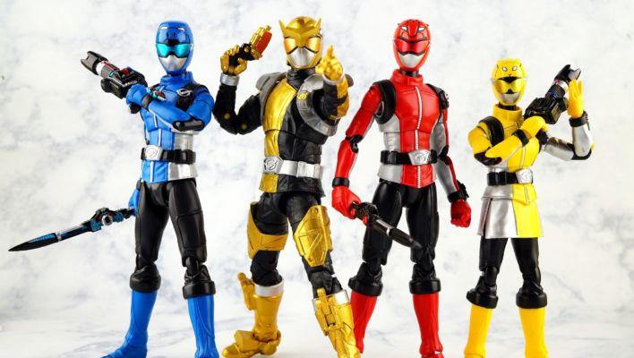 Power Rangers Lightning Collection Beast Morphers Gold Ranger Gallery