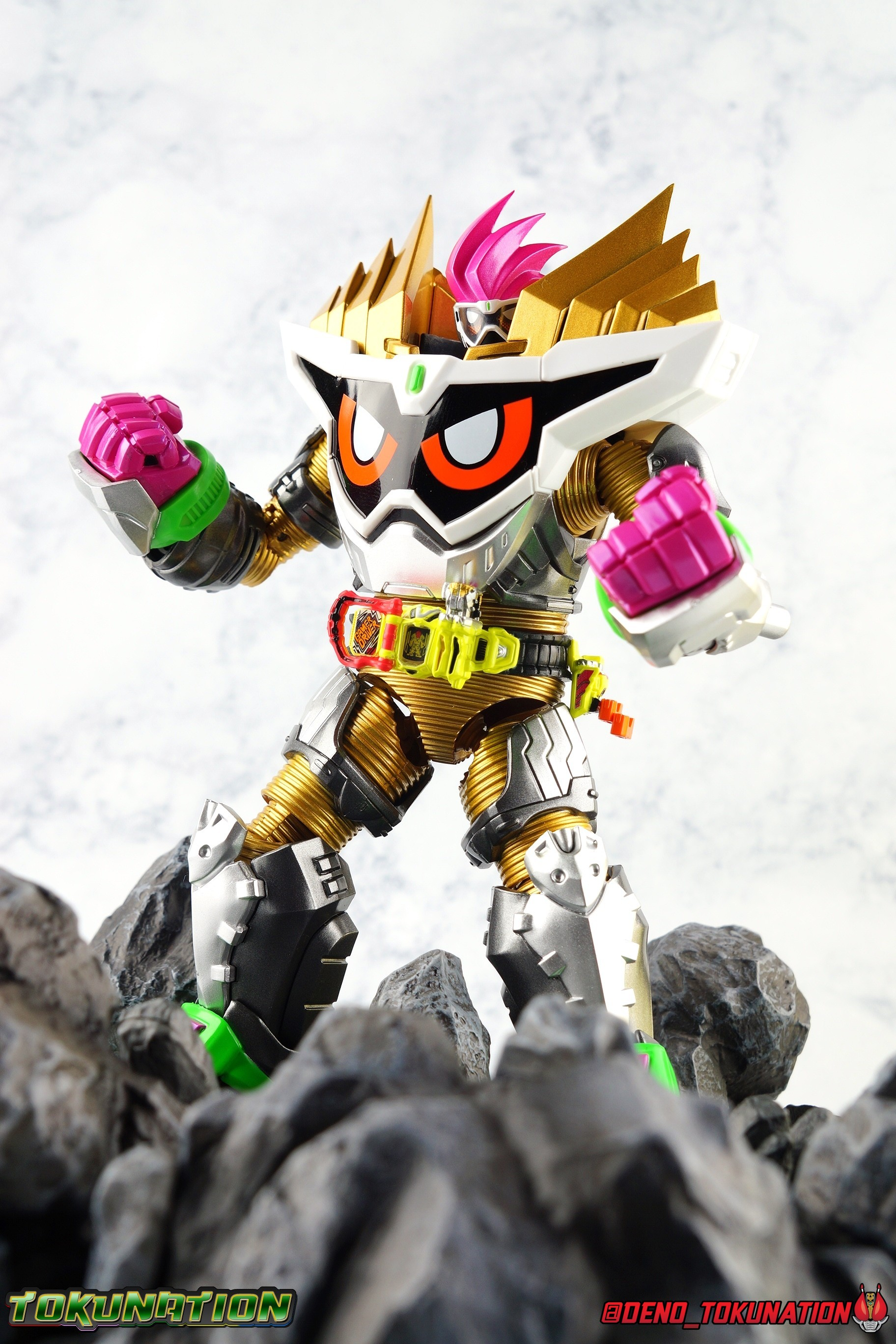 S H Figuarts Kamen Rider Ex Aid Maximum Gamer Level 99 Gallery