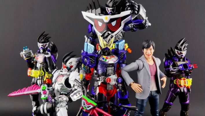 S.H. Figuarts Kamen Rider Geiz GenM Armor Gallery